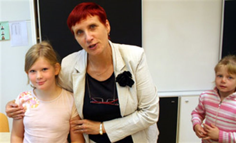 The Dutch girl Jorine Pilkes is studying all her subjects in Estonian at the Suure-Jaani Gymnasium in Mid-Estonia. On the photo with her teacher Ülle Piir.